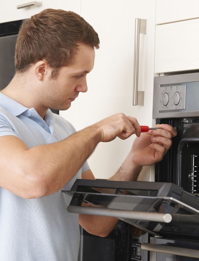 oven repair technician